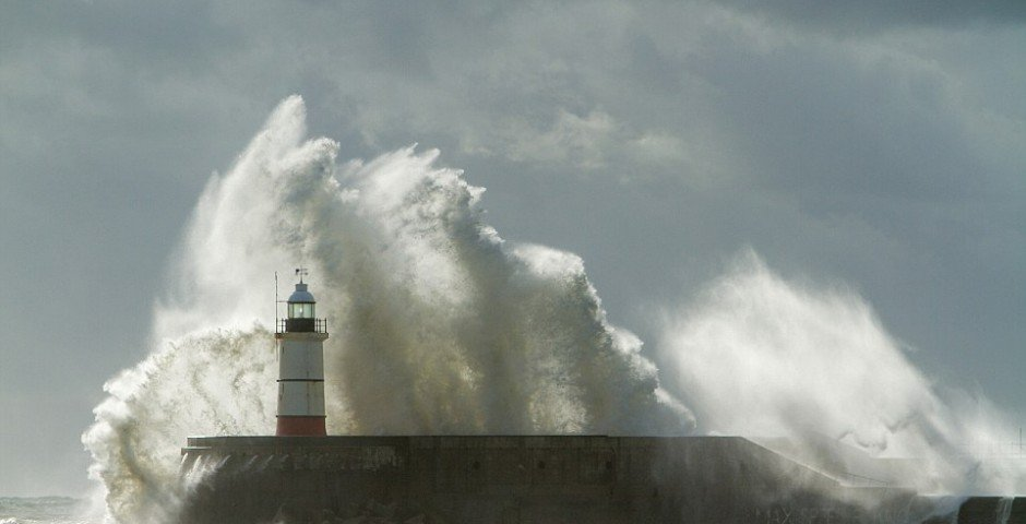 21/10/2014 - Wind and rain batters Newhaven harbour and lighthouse, East sussex, as the country is hit by the tail end of Hurricane Gonzalo.